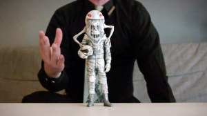 Alex Pardee's The Astronaut - Figure (Front)