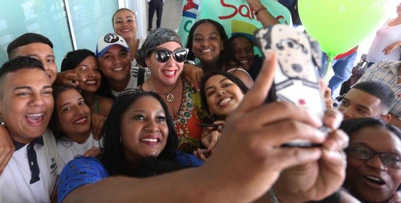 Mayté Santacruz y sus Fans