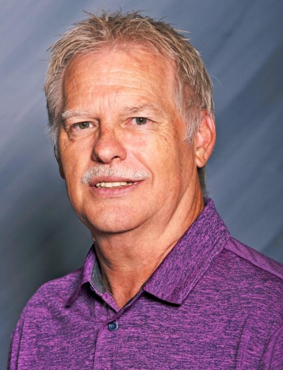 Daryl Price Headshot.jpg