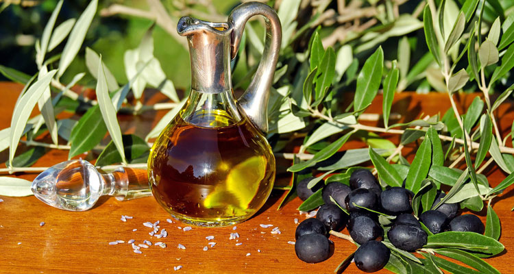 Image Result For What Is Tea Tree Oil Used For Skin