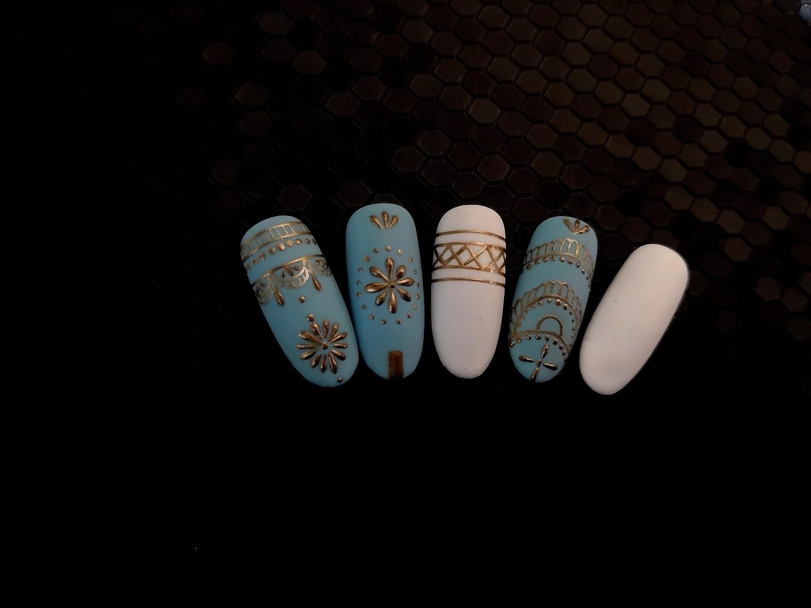 Boho Nails in Blue and White 1