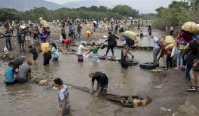 Resultado de imagen para puente trocha venezuela colombia