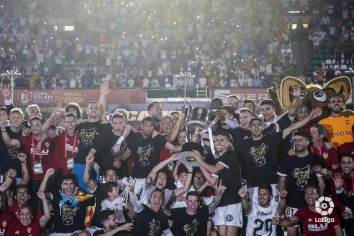 Camiseta Valencia campeón Copa