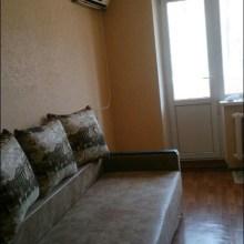 Увеличить - Объект №4809329-lotз Еременко Продам гостинку. В хорошем состоянии. Встроенная кухня и шкаф купе, сплит, стиральная машинка. Балкон застеклен. Район школы милиции.: ,