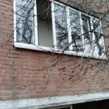 Увеличить - Объект №5546405-lotн Речная Срочно продатся квартира 49.9кв.м + 7 кв.м балкон. Комнаты раздельные, санузел раздельный, Под ремонт.1 этаж, высокий.Так же возможен обмен на автомобиль!!!, а также рассмотрю все виды обмена, квартира находится в районе Суворовскова ул речная з, кв 9: ,