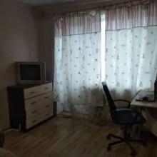 Увеличить - Объект №9051169-lotс Ленина Продается квартира с мебелью - кровать, диван, стол раскладной, стол кухонный, комод и т.д. Рядом есть крупные магазины, до центра ехать 20 минут.: ,