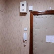 Увеличить - Объект №7283289-lotн Казахская Прдам 3/5 кирпич.1 комнотная квартира 25,4/12,7/6,2. Остается встроенная кухня бытовая техника: стриральная машина, холодильник, эл. Со стеклянным покрытием ванна оснащена всем. Отличный вариант для здачи или для себя, состояние заходи и живи.: ,