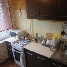 Увеличить - Объект №3988131-lotс Российская продаю 1 ком квартиру,р-н уюта,чистая,нов с/техника,линолеум,свежий ремонт: ,