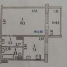 Увеличить - Объект №8405692-lotс пер. Днепровский Продается однокомнатная квартира на 9 этаже 10 этажного панельного дома, 2007 года постройки. Общая площадь 38,4 кв.м., кухня 7,6 кв.м. Квартира очень теплая, с удобной планировкой. Частично остается мебель (кухонный гарнитур, диваны 2-шт., кондиционер, холодильник, шкаф). На лестничной клетке есть собственная кладовка, на три квартиры. Рядом школа, пятерочка, поликлиника и сады. Хороший семейный, спальный район. Подходит для ипотеки, возможен торг.: ,