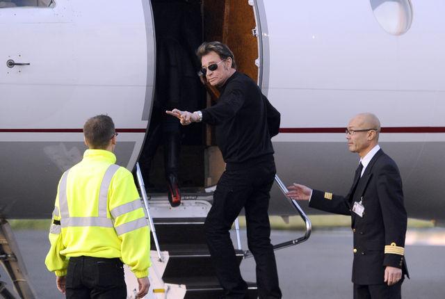 Johnny Hallyday n'a pas précisé s'il repartirait en avion.
