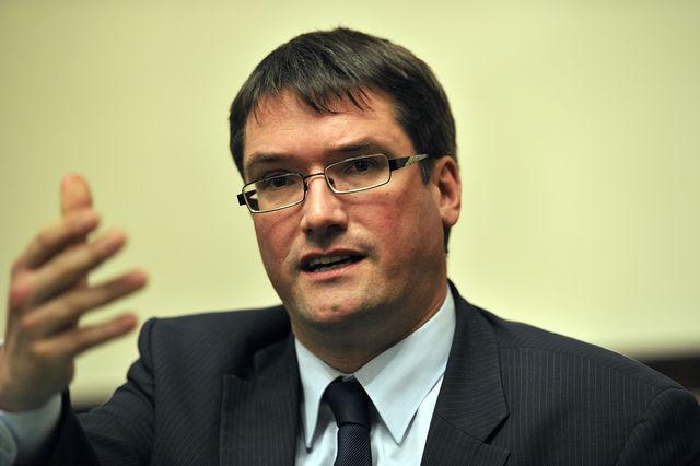 «La Suisse a sauvé UBS de la faillite en 2008. Dans ce contexte, il est impensable qu'elle licencie de manière brutale», tonne Christian Levrat, président du PS Suisse
