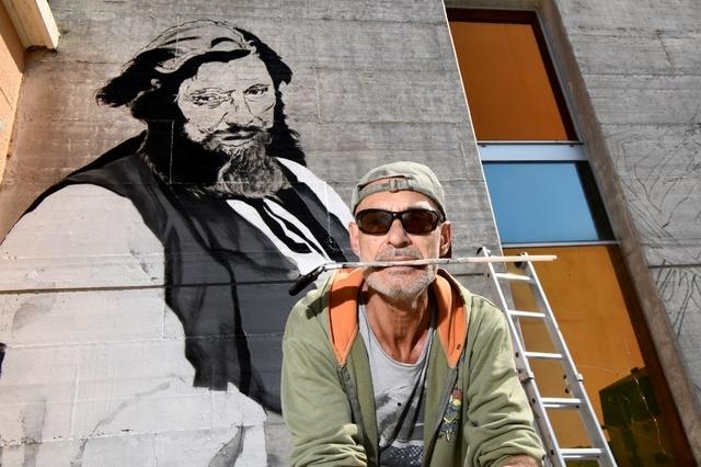 Franck Bouroullec réalise une fresque en hommage au maître Courbet.