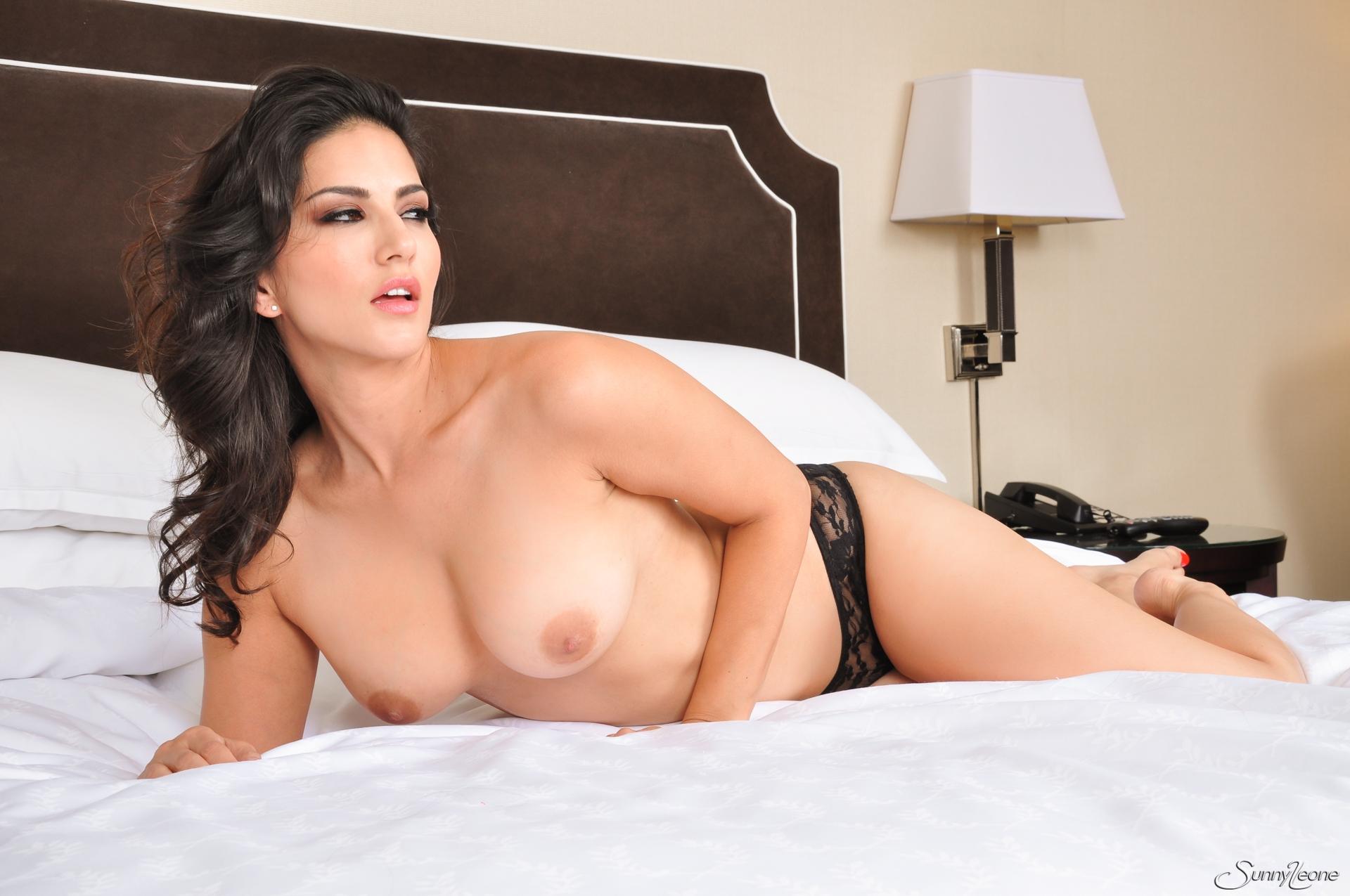 Sunny Leone, brunette, strip, nude, busty, lingerie