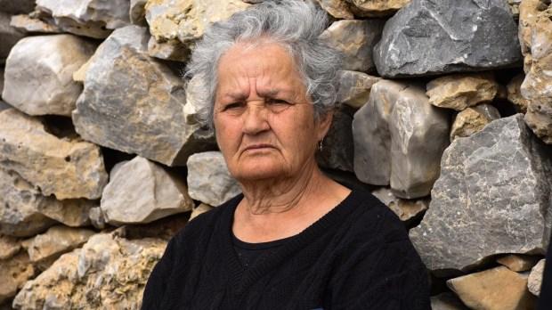 Στην Κίναρο η Σακελλαροπούλου - Θα συναντηθεί με την κυρά Ρηνιώ, τη μοναδική κάτοικο