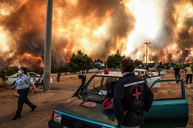 Μήνυμα 122 για εκκένωση σε Κρυονέρι, Αφίδνες, Κοκκινόβραχο και Ιπποκράτειο Πολιτεία - Εκλεισε η Εθνική στα Οινόφυτα
