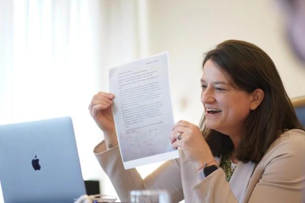 Νίκη Κεραμέως: Τι της ζήτησαν μαθητές νηπιαγωγείου από την Κάρπαθο - Η σπαρταριστή επιστολή [εικόνες]