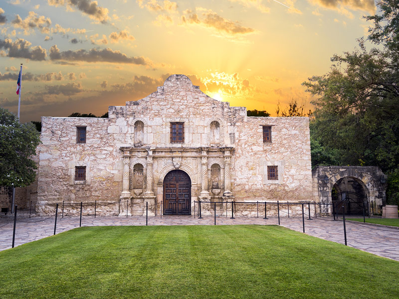 Incredible Places and Attractions to Visit in Texas   TripsToDiscover The Alamo The Alamo