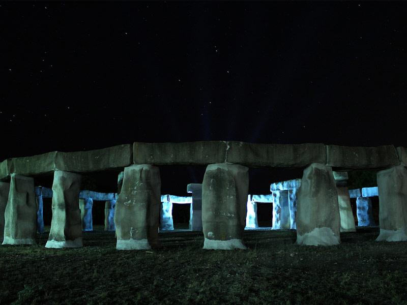 Stonehenge II, Hunt