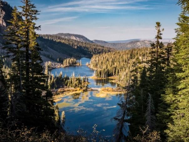 Lake scene at Mammoth Lakes