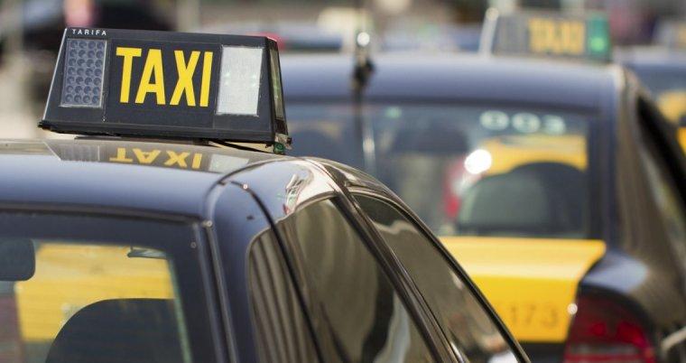 Els taxistes de Cerdanyola segueixen la vaga indefinida