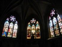 L'EPINE: witraże bocznych kaplic / stained glass of the side chapel