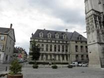 Plac przed katedrą
