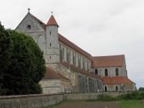 PONTIGNY: kościół opacki od zachodu / abbey church from the west