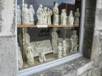 VEZELAY: SKLEPIK PRZY BAZYLICE / SHOP BY THE CHURCH