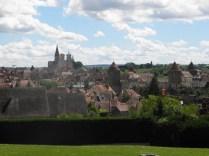 SEMUR-EN-AUXOIS: widok ze wzgórza Belvedere / panorama from Belvedere hill