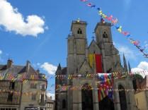SEMUR-EN-AUXOIS: kolegiata / collegiate church