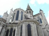 SEMUR-EN-AUXOIS: fasada wsch. kolegiaty / apse of the collegiate church
