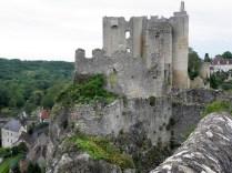 ANGLES-SUR-ANGLIN: dawny zamek biskupi / former bishop castle