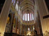 CHARTRES: widok w stronę ołtarza głównego / view towards the high altar