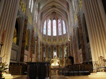 CHARTRES: prezbiterium katedry / choir of the cathedral