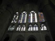 CHARTRES: WITRAŻE W KOŚCIELE ST-PIERRE / CLERESTORY OF ST-PIERRE