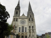CHARTRES: Fasada zachodnia katedry / Western facade of the cathedral