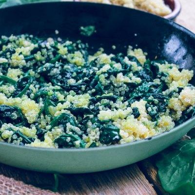 Quinoa-Spinatpfanne