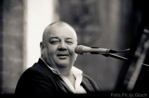 Stanisław Soyka na koncercie we Wrocławiu w kościele św. Elżbiety - autor: Filip Głuch - fotofil.pl