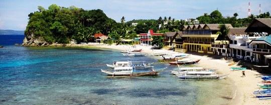 Strand van Big La Laguna - Puerto Galera, Mindoro, Filipijnen