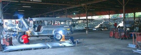 Jeepney factory - Las Pinas, Manilla, Filipijnen