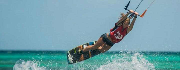 Op Boracay kun je vele watersporten beoefenen, o.a. kiteboarden