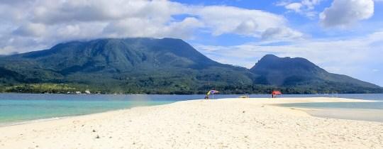 Mt Hibok Hibok, gezien vanaf White Island - Camiguin, Mindanao, Filipijnen