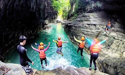 Canyoning Kawasan Falls - Cebu, Filipijnen