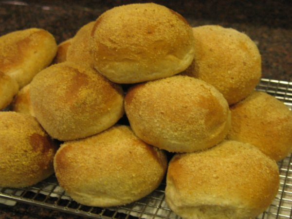 Re-learning to be a Filipino with pan de sal (1/3)