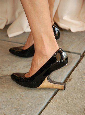 scarpe-strane-con-tacco-orizzontale