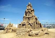 esposizione di castelli di sabbia