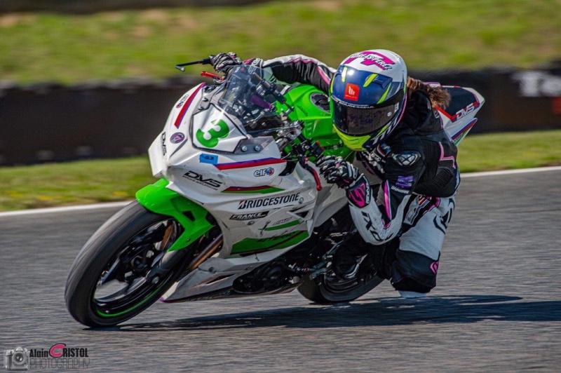 Lucie Boudesseul, pilote moto femme SSP 300 championnat de France Superbike 2020