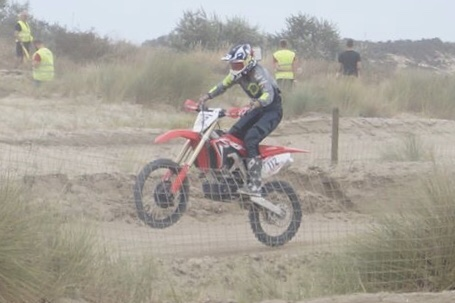 Estelle Bleuzé pilote motocross
