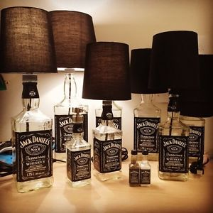 7 fa ons originales de recylcler vos bouteilles de jack daniels fillettes pompettes. Black Bedroom Furniture Sets. Home Design Ideas