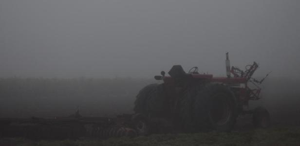 4-2-15 tractor in fog
